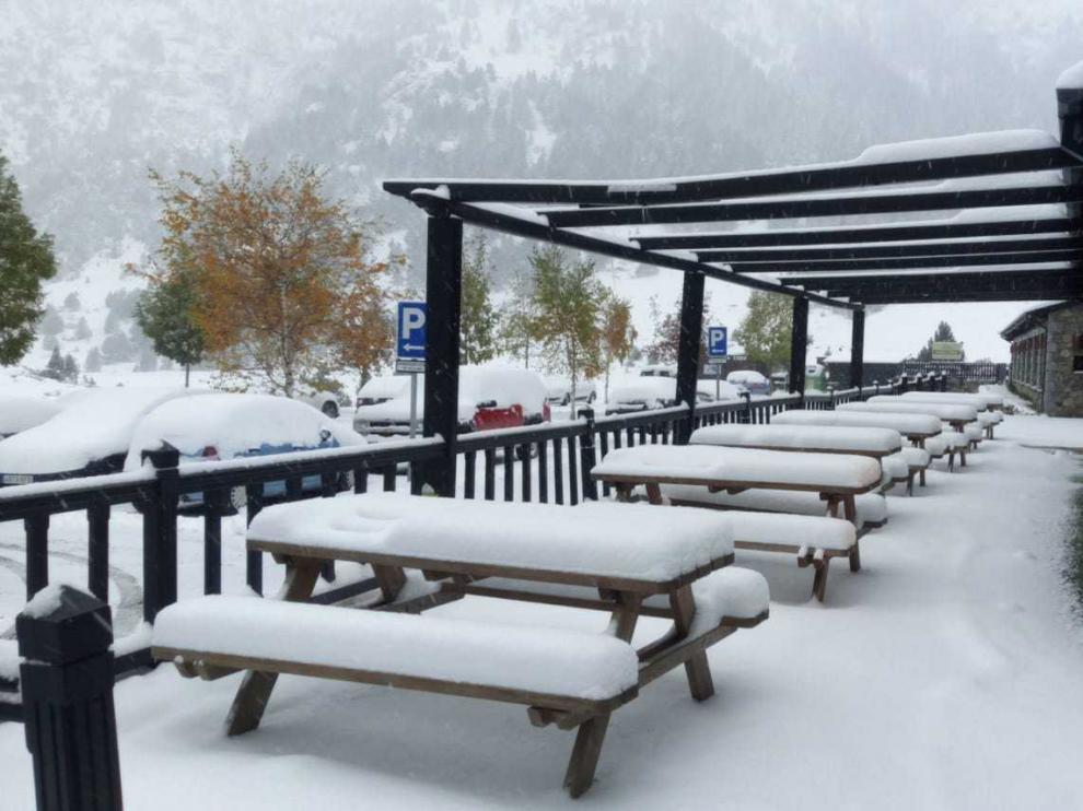 Nieve en los Llanos del Hospital.