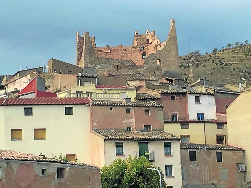 El castillo, declarado Bien de Interés Cultural, domina la panorámica de Jarque de Moncayo.