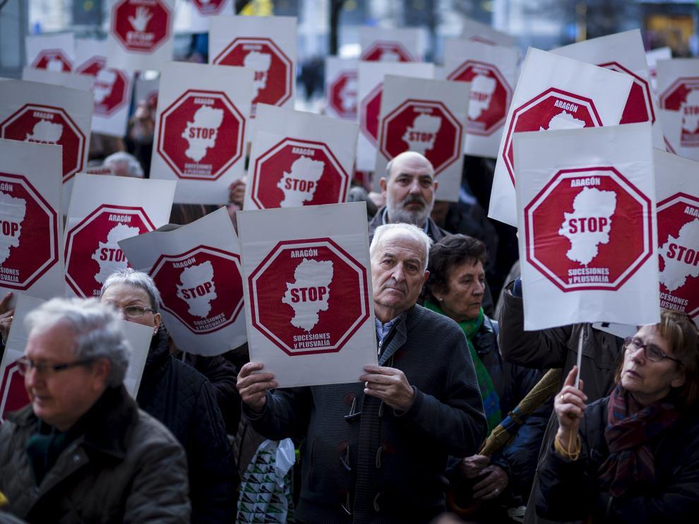 Más de 1.200 aragoneses dejarán de pagar Sucesiones a partir del jueves con la nueva exención