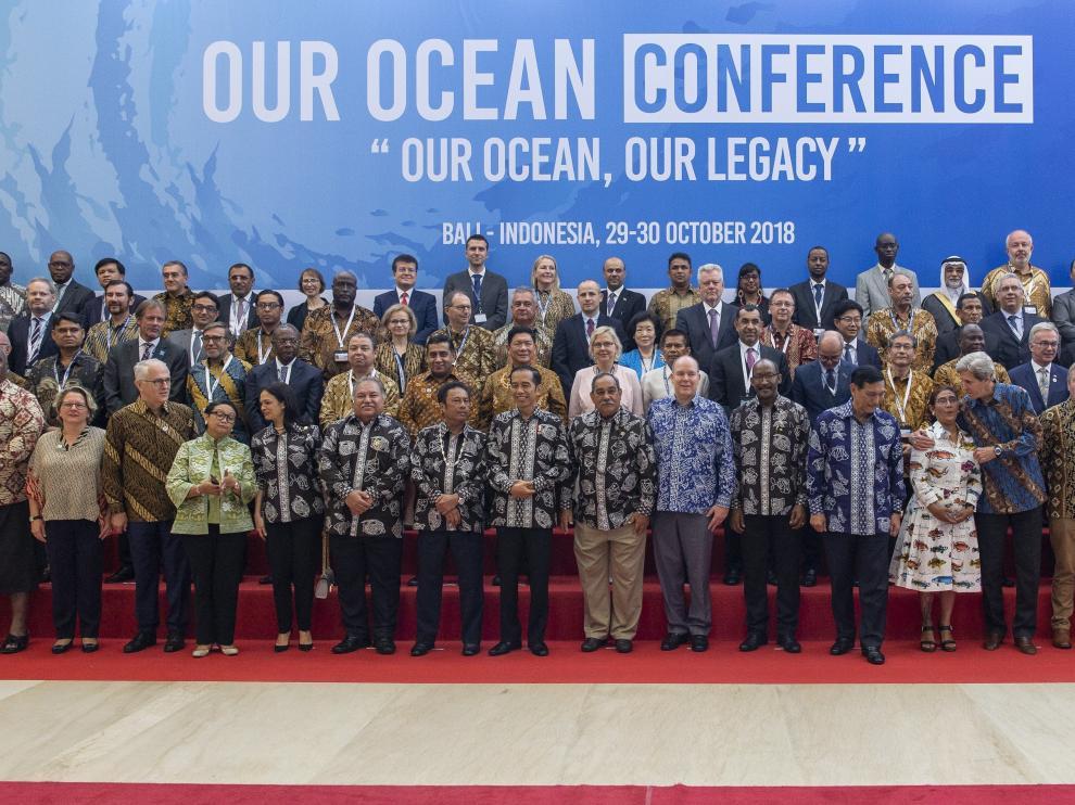 Cumbre en Bali 'Nuestros océanos' en la que se ha firmado el acuerdo para reducir el plástico