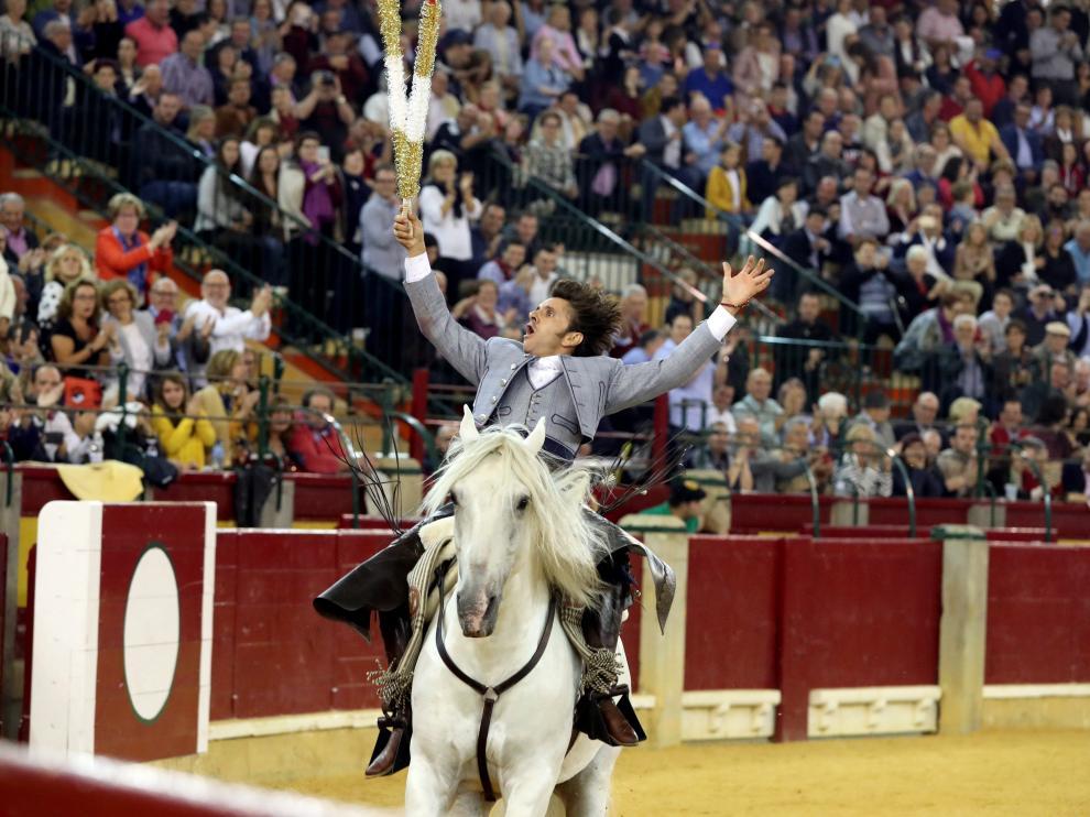 Diego Ventura, durante su actuación en la Feria del Pilar.