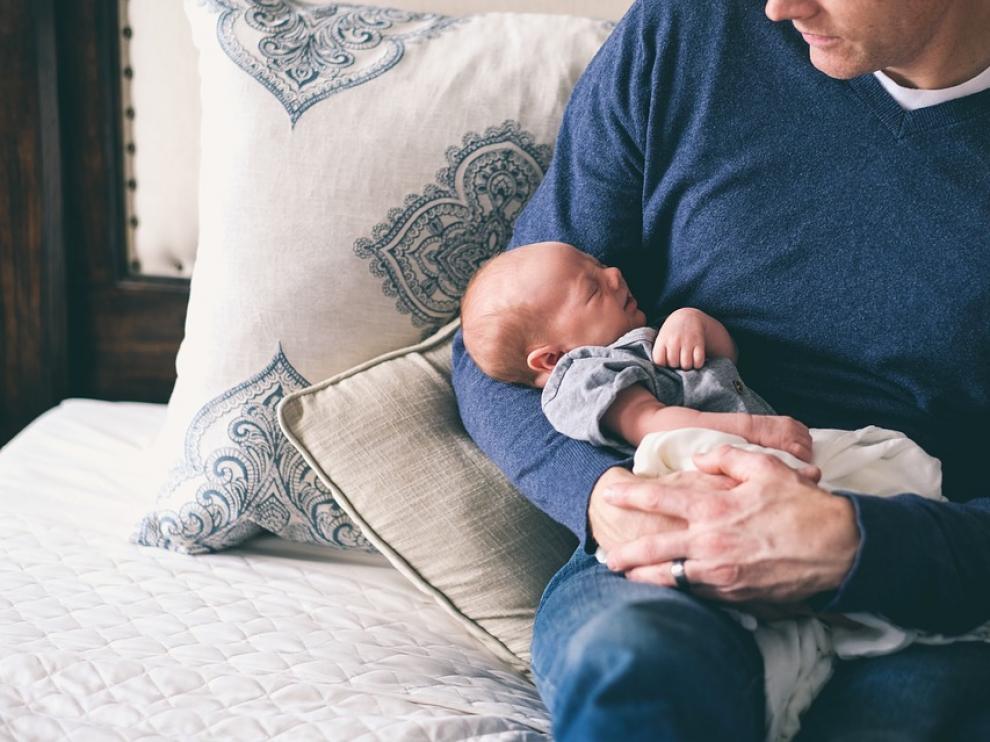 Desde 2021 ambos progenitores disfrutarán de permisos iguales.