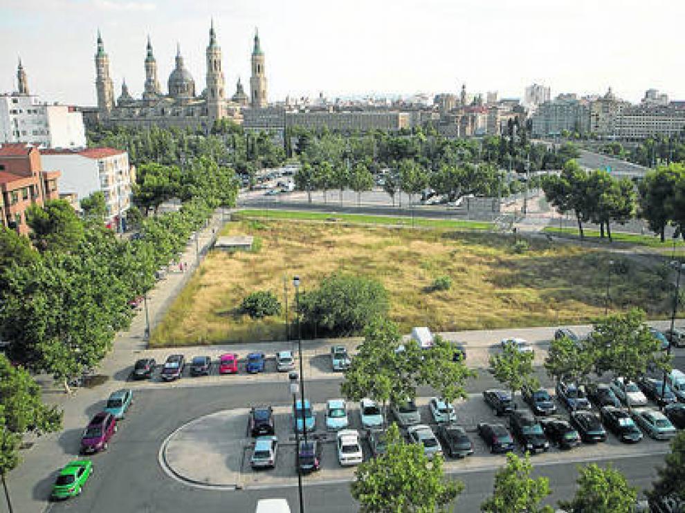 Solar de la calle Palencia, afectado por la presencia de ratas