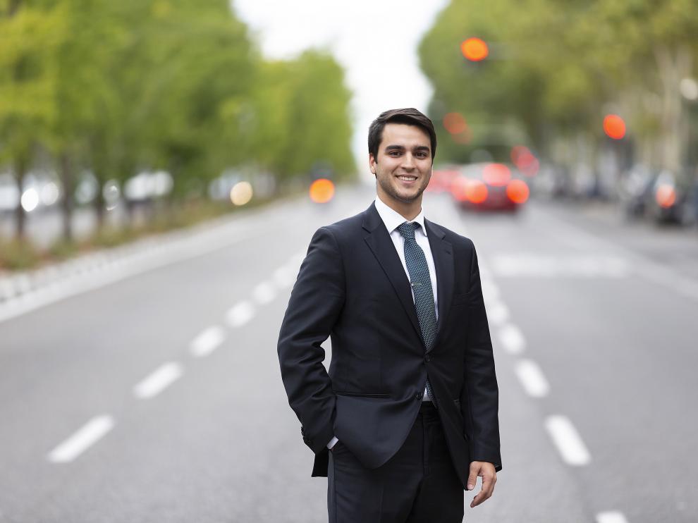 Javier Álvaro Anguas, el diplomático más joven de España es un zaragozano