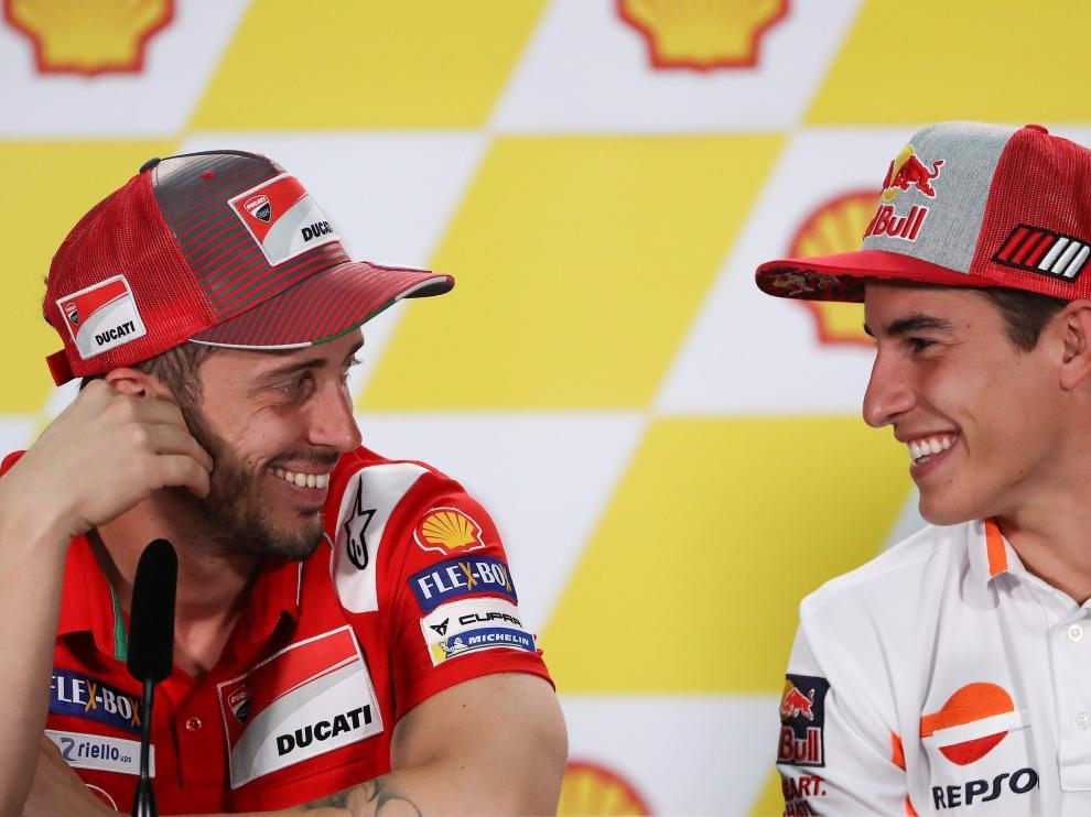 Dovizioso junto a Márquez en la rueda de prensa de Sepang.