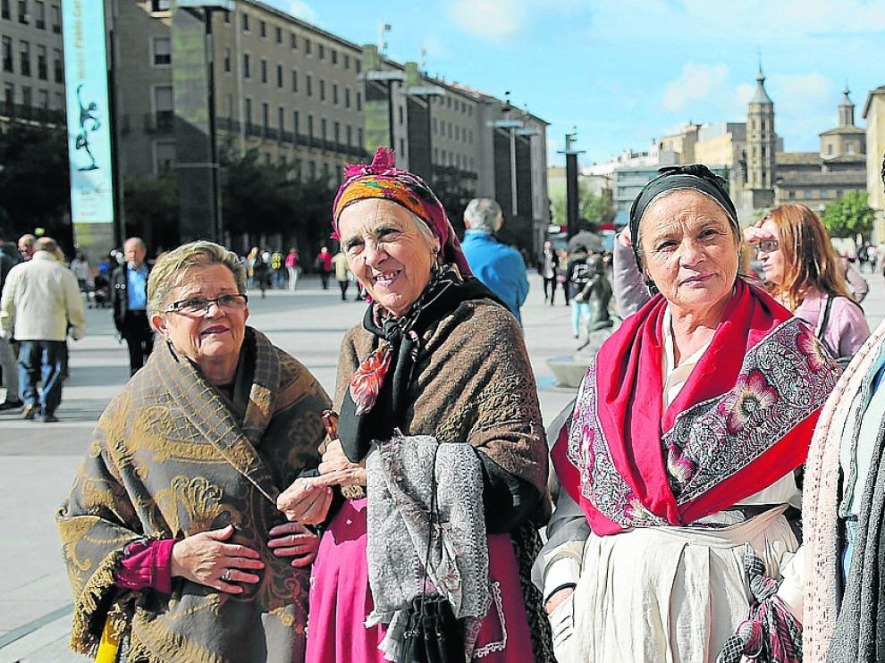 Algunas de las participantes en el recorrido.