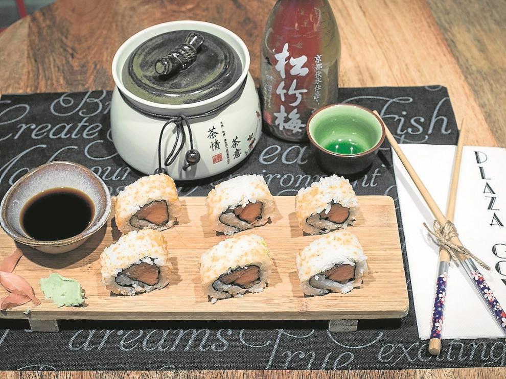 Uno de los platos de cocina japonesa que se sirven en el Plaza Goya.
