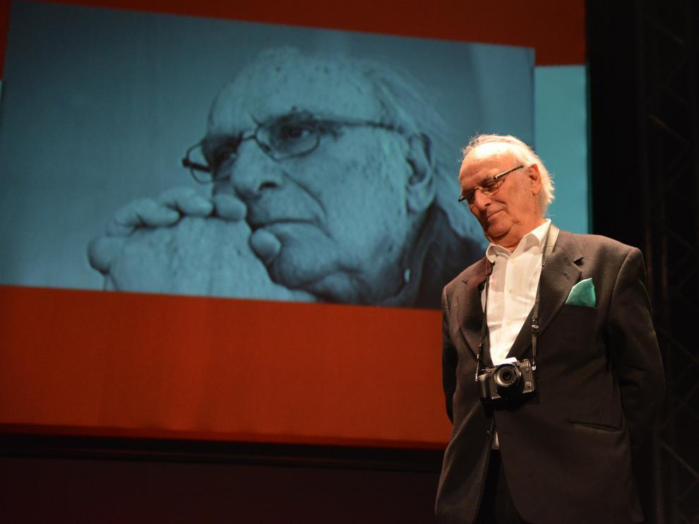 Carlos Saura fue el primero que recibió el Premio Ciudad de Huesca en 1991