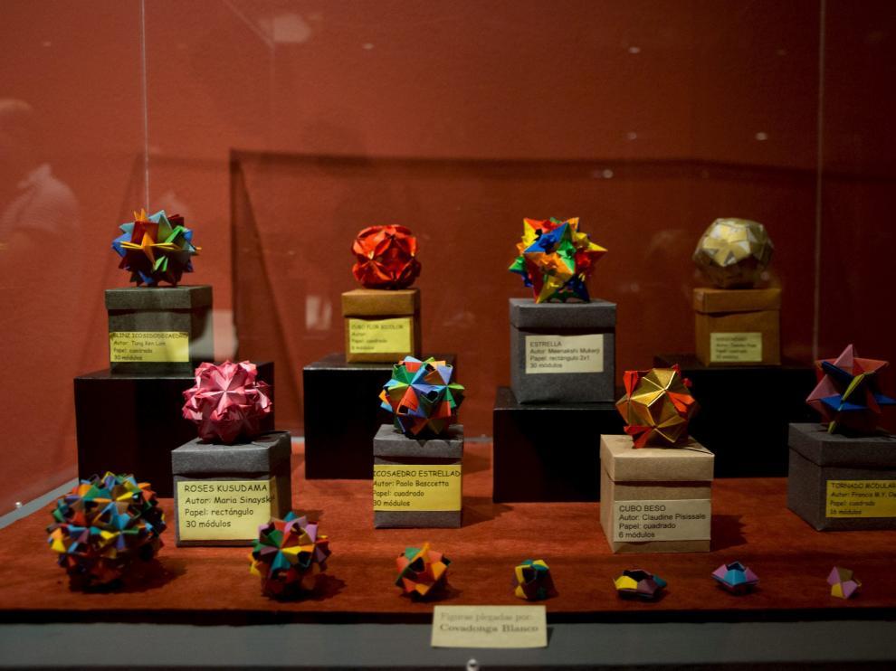 Exposición 'Papiro_mates. Matemáticas y origami'
