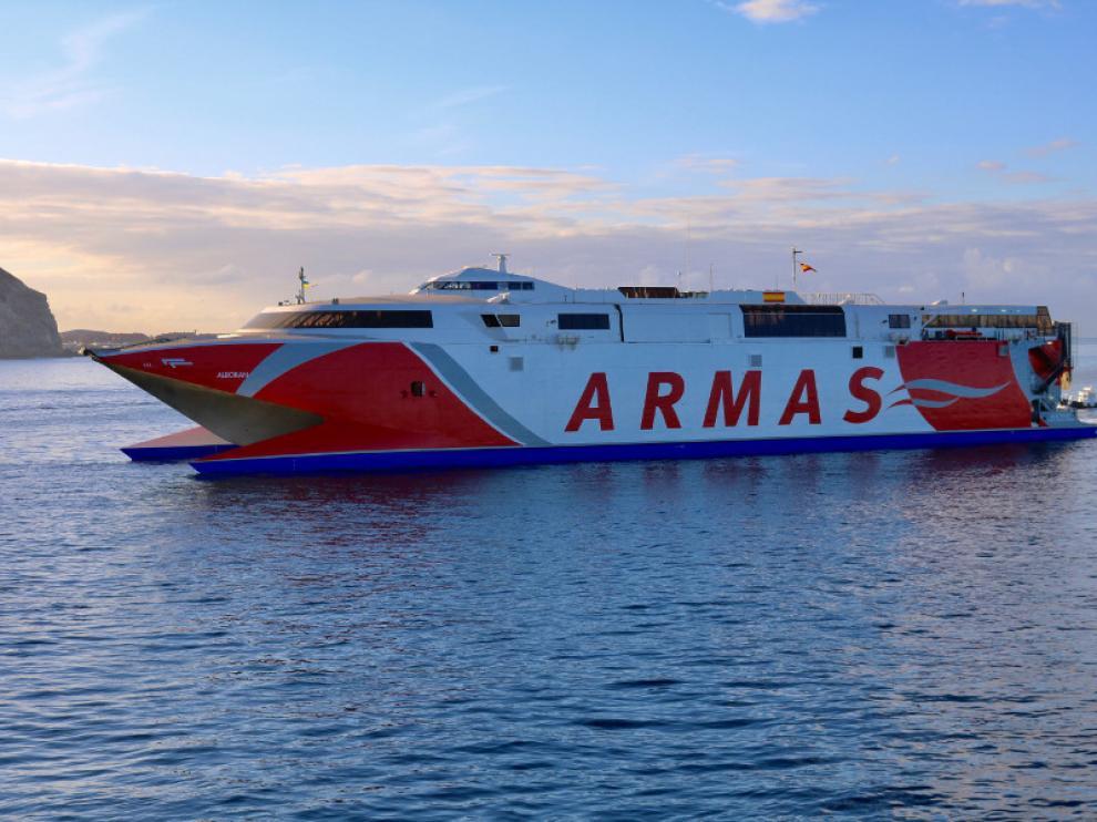 Ferry Alborán de la naviera Armas
