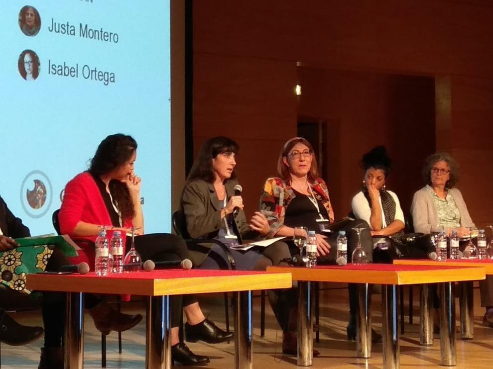 """La mesa redonda de """"Las excluidas"""" en la I Jornada Internacional Feminista de la revista CTXT en Zaragoza"""