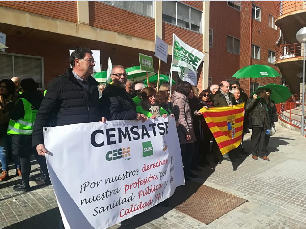 concentración a las puertas del hospital Obispo Polanco de Teruel