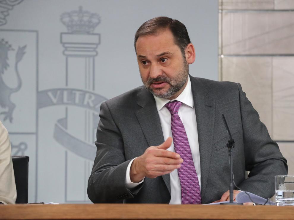 El ministro de Fomento, José Luis Ábalos, en la rueda de prensa del pasado jueves.