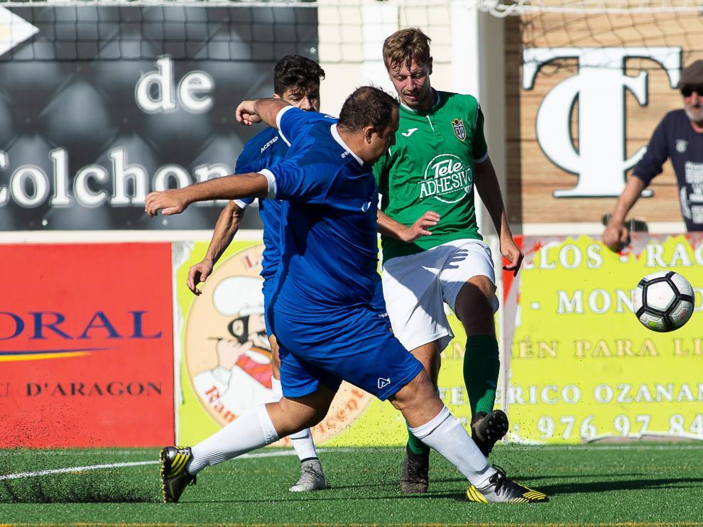 Fútbol. Regional Preferente- Valdefierro vs. Mequinenza.
