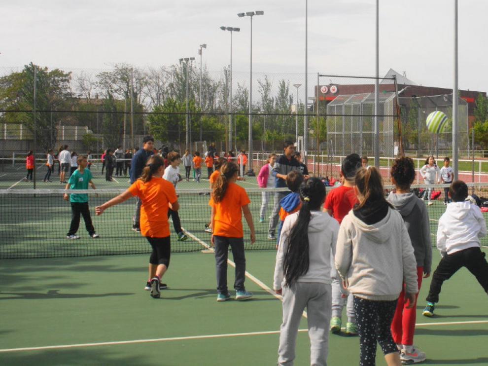 Jornada de juegos y deportes del proyecto 'Amigos Activos'.