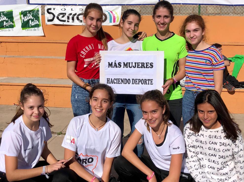 Orientadoras infantiles y cadetes de Aragón en el reciente Campeonato de Esaña escolar