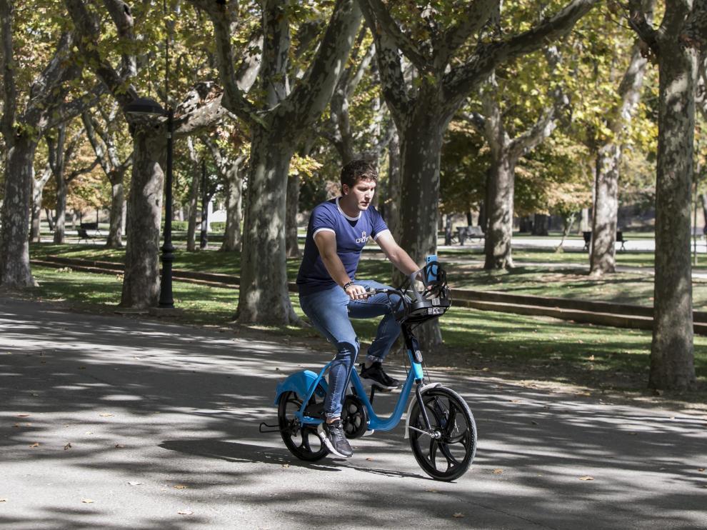 Bicicleta eléctrica de la empresa local ERG, que comenzará en Zaragoza en dos semanas.