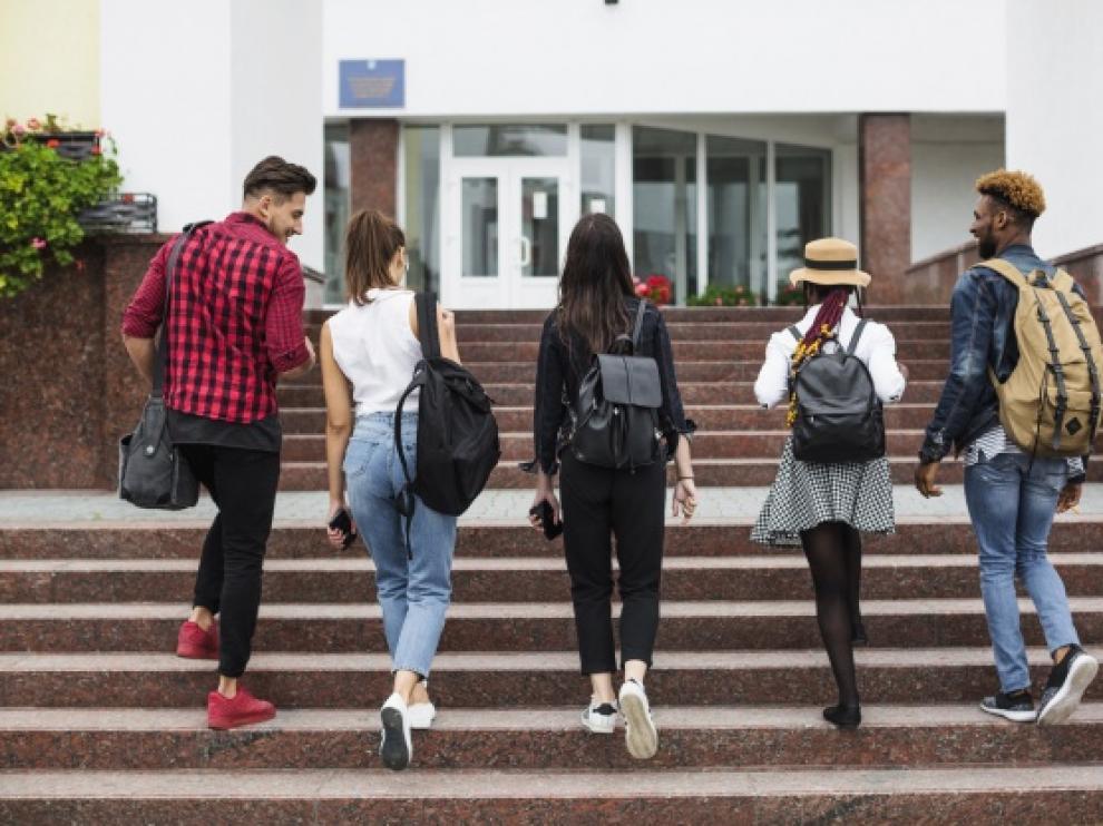 La universidad de Cambridge ofrece 90 becas para estudiantes que quieran realizar un postgrado.