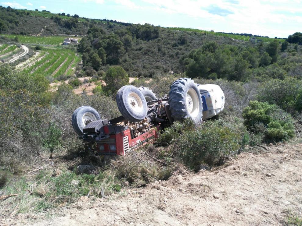 El vuelco de tractores es uno de los factores principales de los accidentes mortales en el sector agrario.