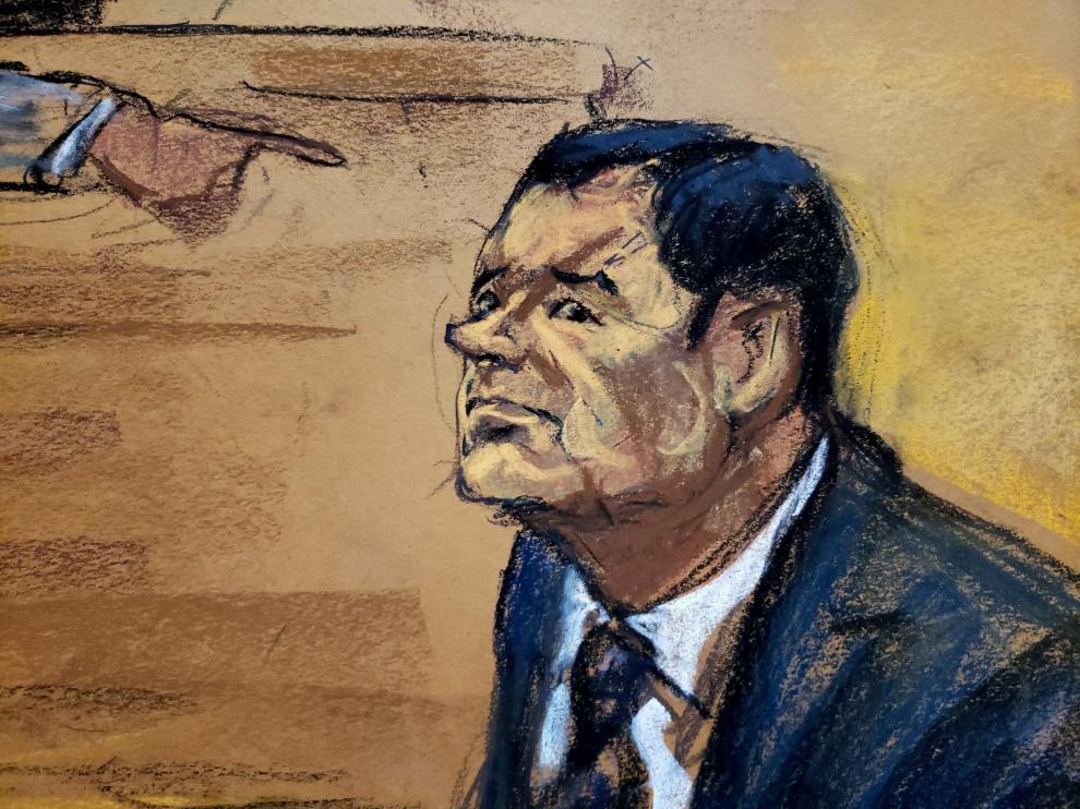 Reproducción artística del Chapo en el banquillo de los acusados en el juicio que se celebra en Nueva York.