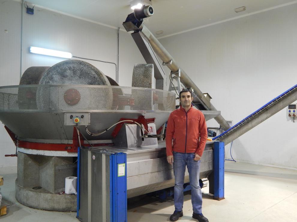 Javier Sánchez, maestro almazarero de Aceites Impelte del Bajo Martín.