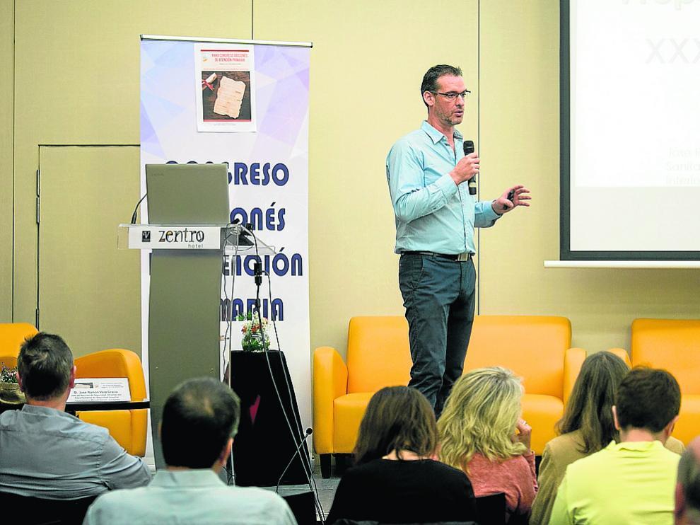 José Ramón Vera, este sábado, durante su intervención en el congreso de Atención Primaria.