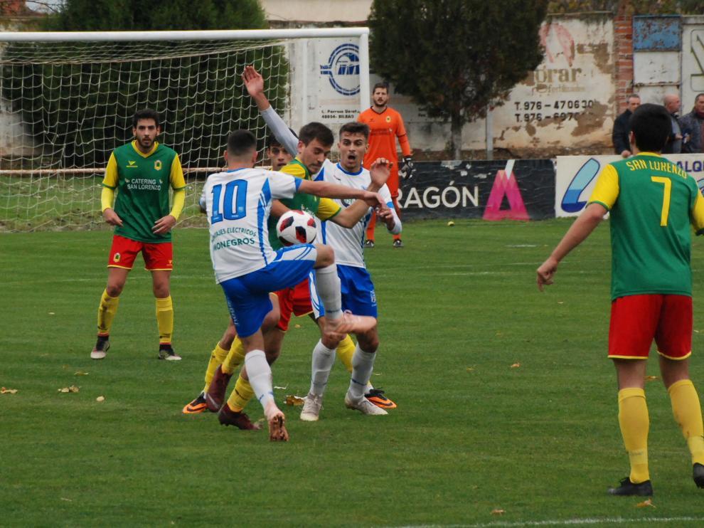 Fútbol. Tercera División- Sariñena vs. San Lorenzo.
