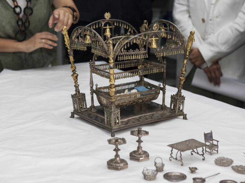 La cuna del plata del belén del monasterio