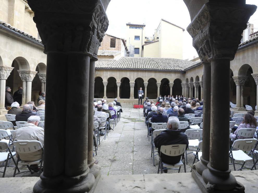El Homenaje a los Reyes de Aragón comenzó en el claustro de San Pedro el Viejo.