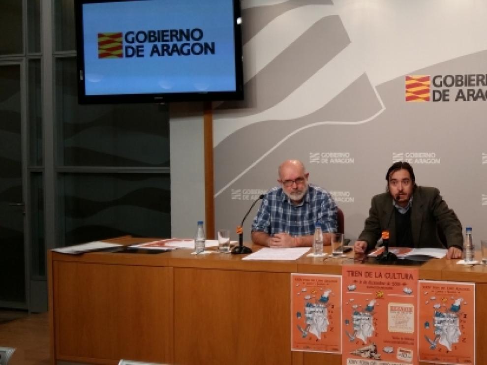 Vicente Guerrero, concejal de Monzón; el director general de Cultura y Patrimonio del Gobierno de Aragón, Nacho Escuín, y Olga Asensio, del comité organizador.