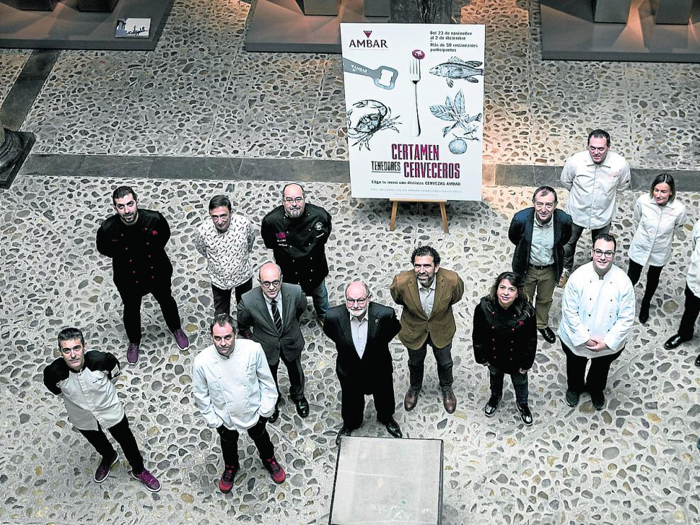 Organizadores y chefs participantes en la II edición de los Tenedores Cerveceros.