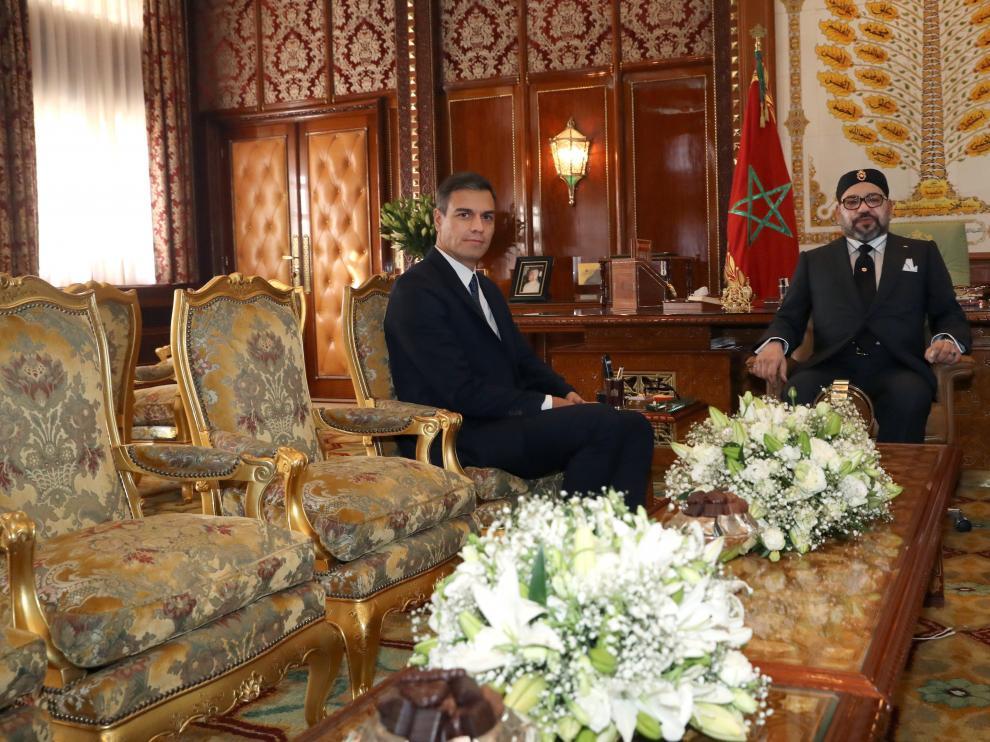 Pedro Sánchez y Mohamed VI durante el encuentro en el Palacio Real.