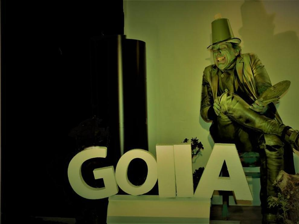 Jaime Ocaña, en su papel de estatua de bronce de Francisco de Goya.