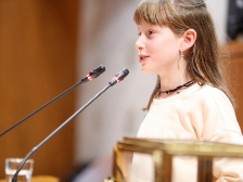 Las Cortes 'junior' aprueban crear grupo de niños que peleen por ser felices