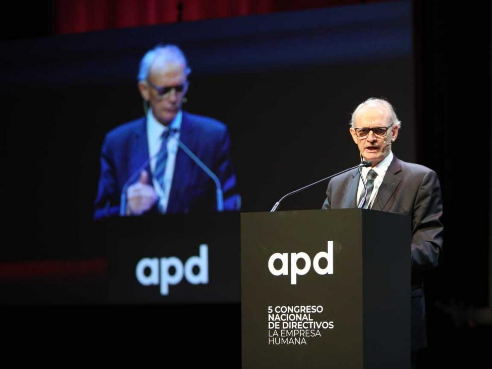 El catedrático de Política Económica de la Universidad de Barcelona, Antón Costas, este miércoles, en el V Congreso Nacional de Directivos de la APD.