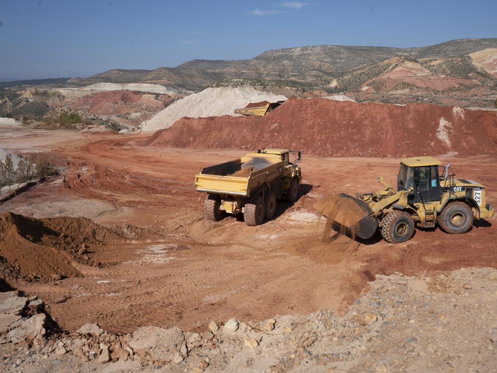 Trabajos en la mina de caolines de Riodeva.