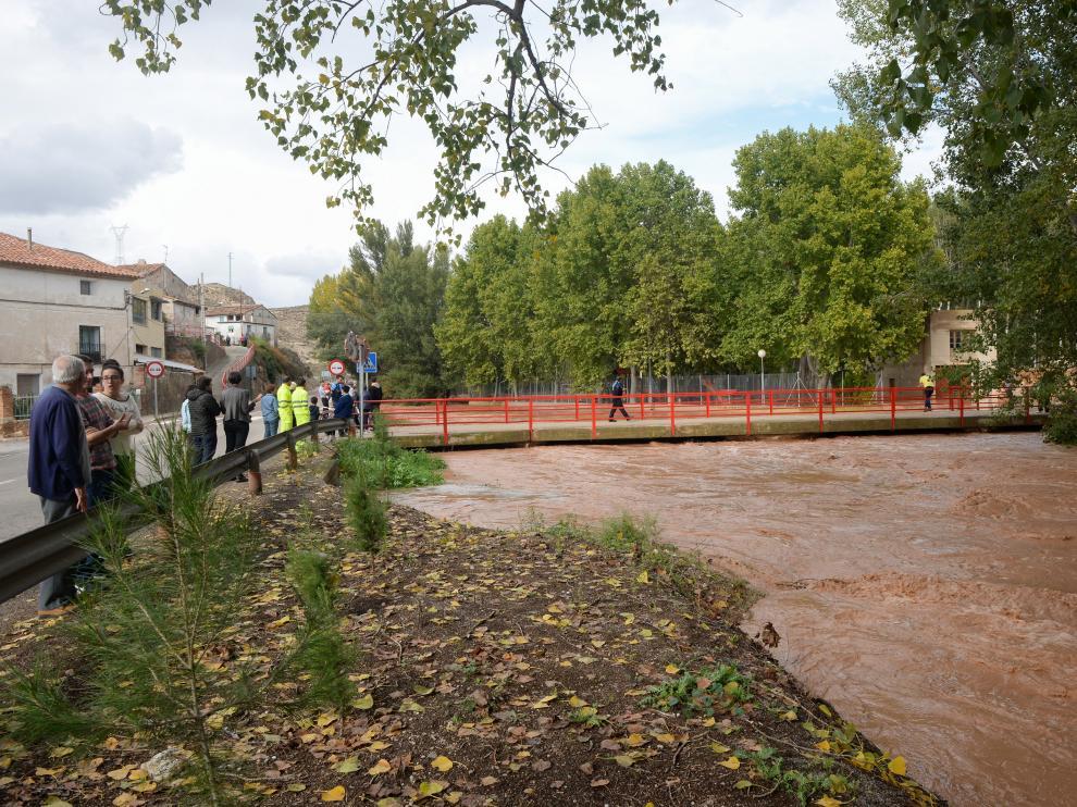 El Alfambra, muy crecido, a su paso por Villalba Baja el pasado 20 de octubre