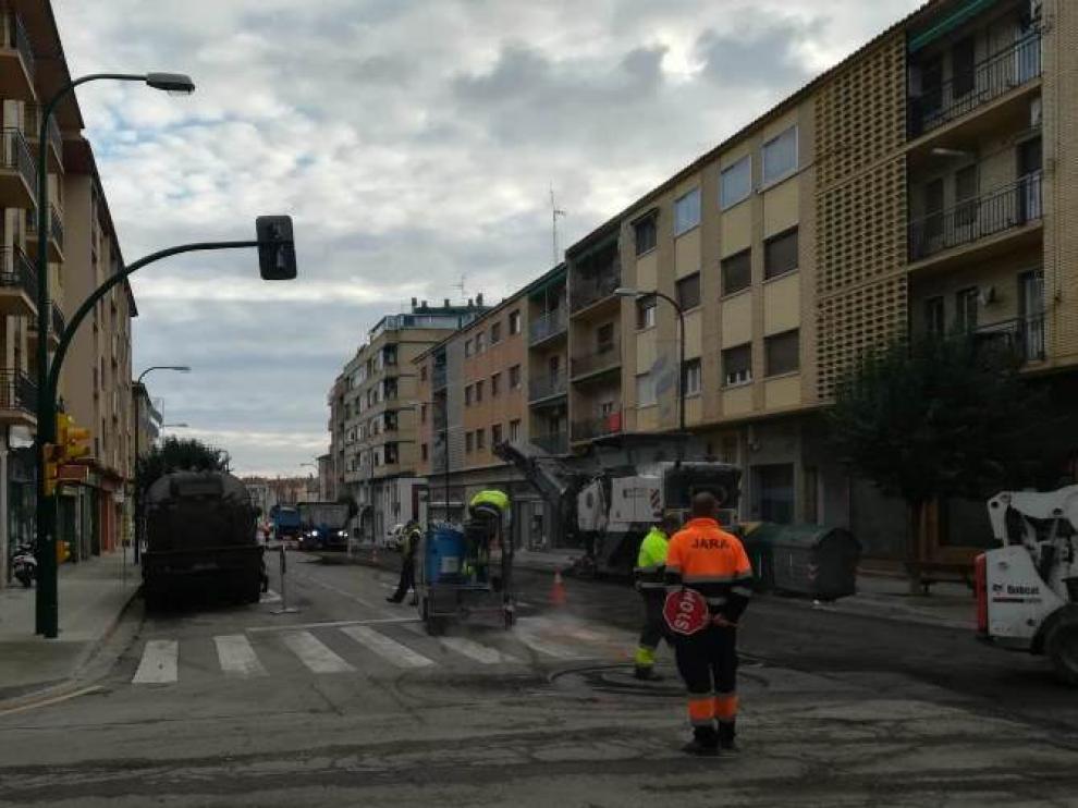 El asfaltado en una veintena de calles de Ejea y pueblos ya ha comenzado.
