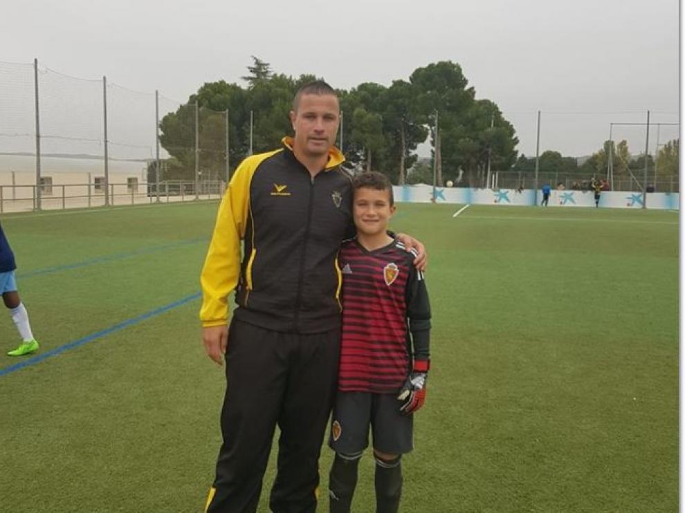 Fernando y Hugo posan junto antes de comenzar al partido
