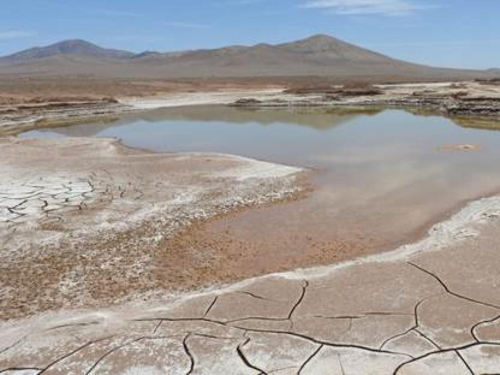 Lagos formados en el corazón hiperárido del desierto de Atacama