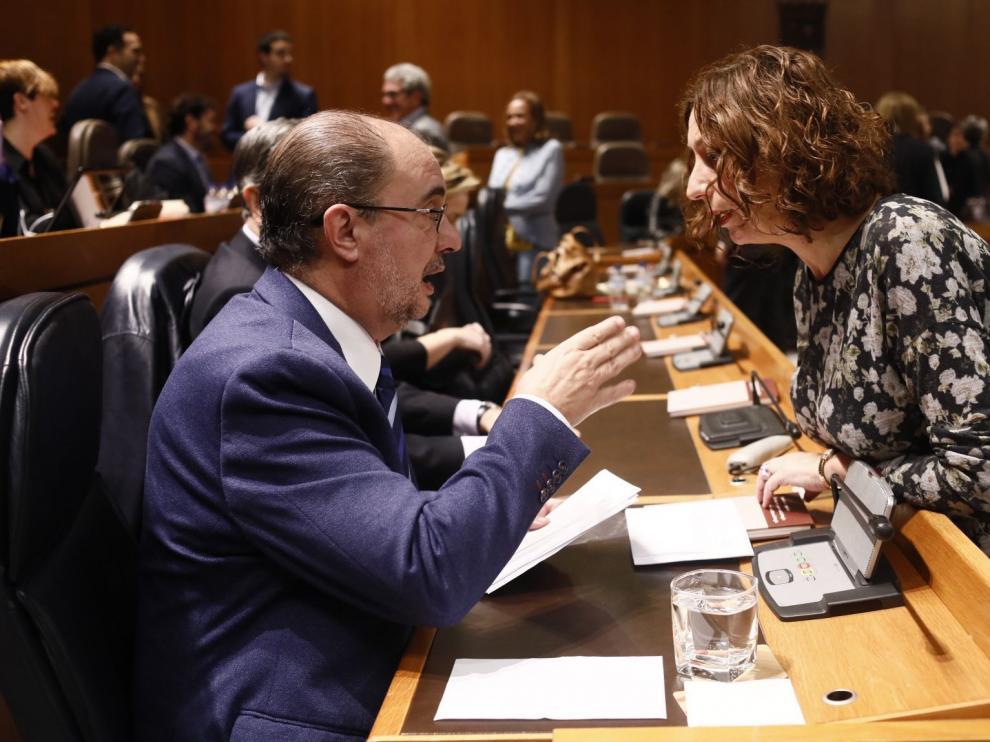 Javier Lamán y Patricia Luquin este viernes en el pleno de las Cortes de Aragón.