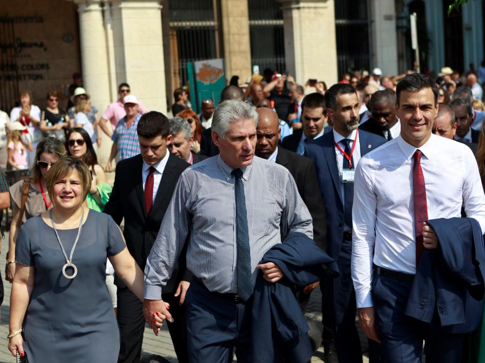 El presidente español en el paseo por la Habana.