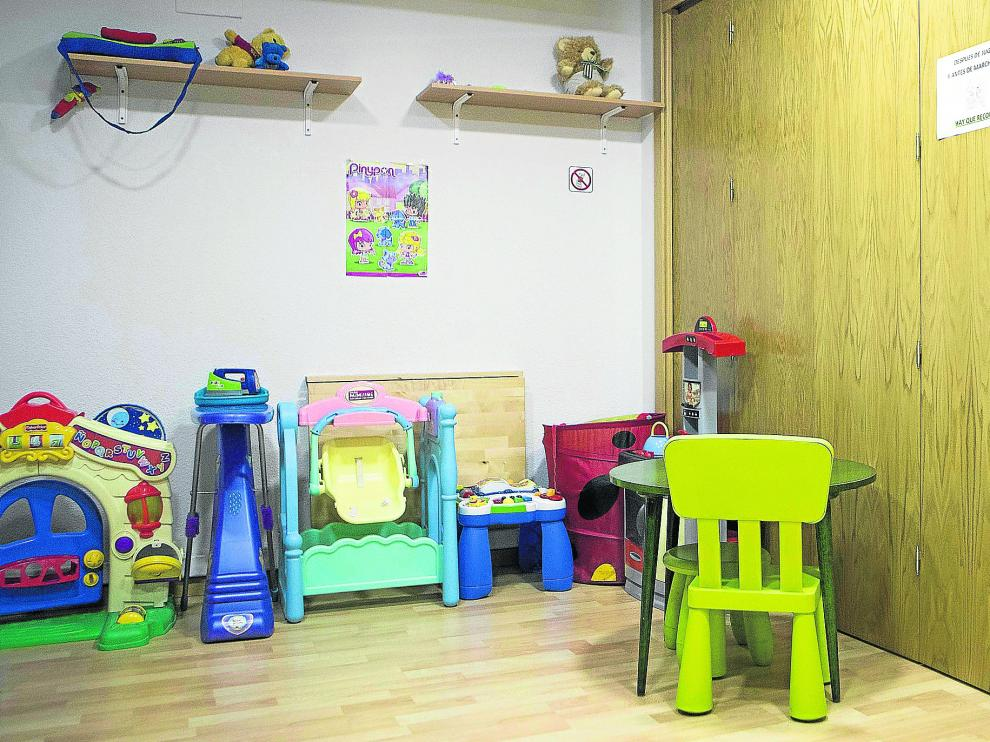 Una de las salas del Centro de Atención Integral a las Familias (CAIF), en Zaragoza.
