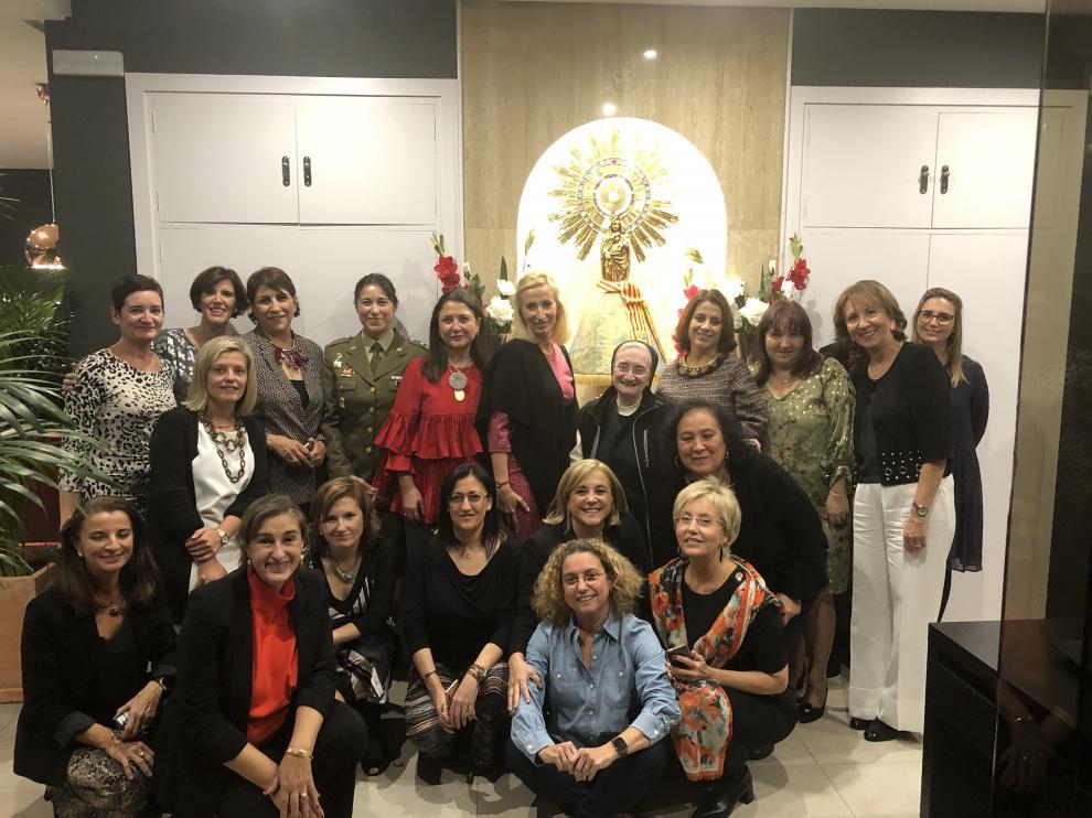 Las asistentes a la cena fundacional de Mujeres Influyentes de Aragón