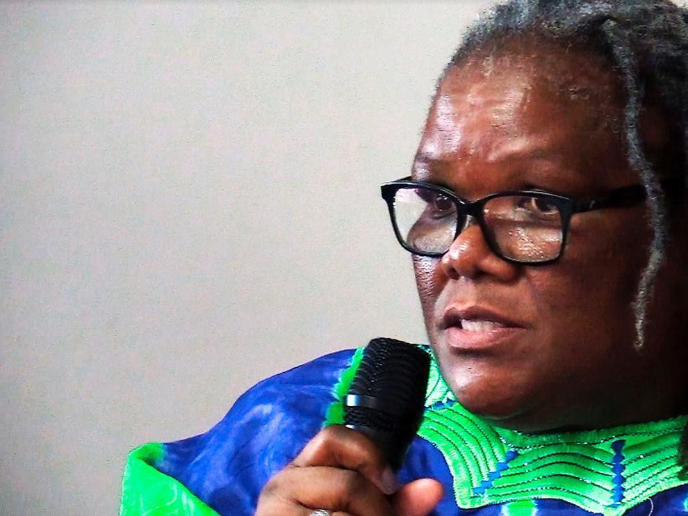 Mabizela, una reverenda negra, feminista y con VIH desafía los prejuicios en Sudáfrica
