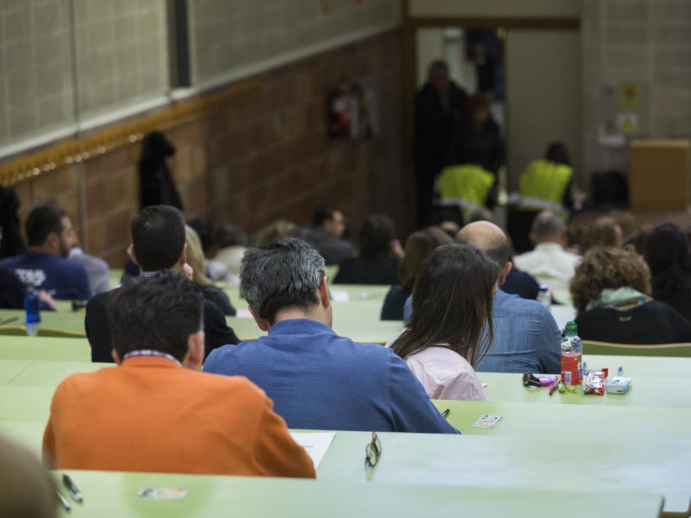 Cerca de 800 opositores optan a las 317 plazas de médico de familia