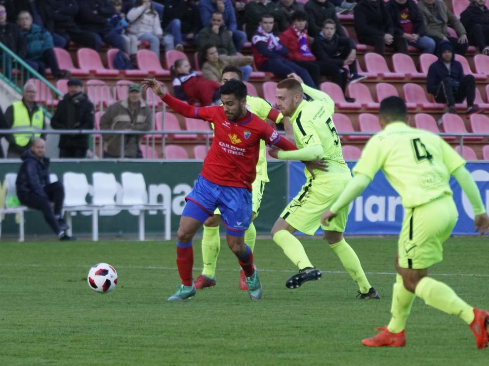 Cristian Dieste en el partido ante el Ontinyent.