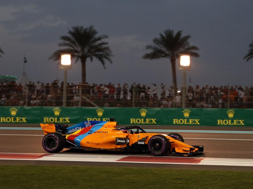 Alonso se despide de la Fórmula 1 con victoria de Hamilton y con un gran Sainz