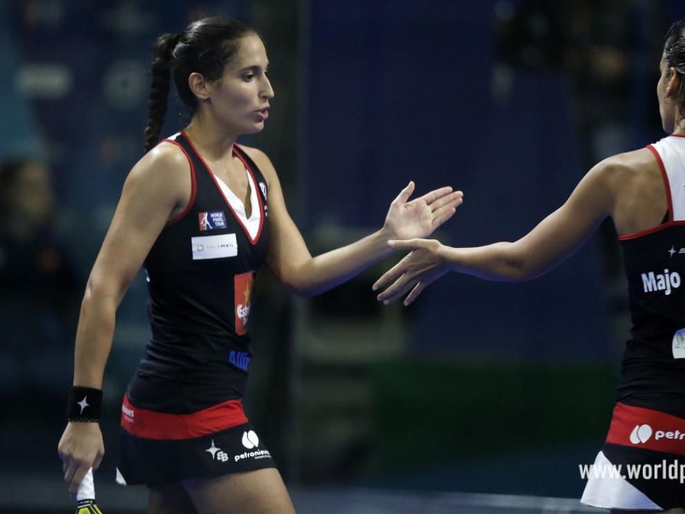 Mapi y Majo Sánchez Alayeto celebran un punto en el Open de Madrid