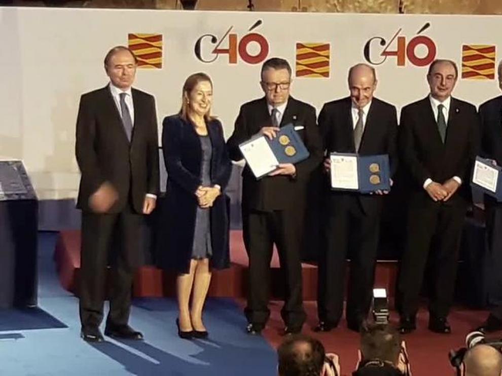 Los padres de la Constitución reciben la Medalla de Aragón